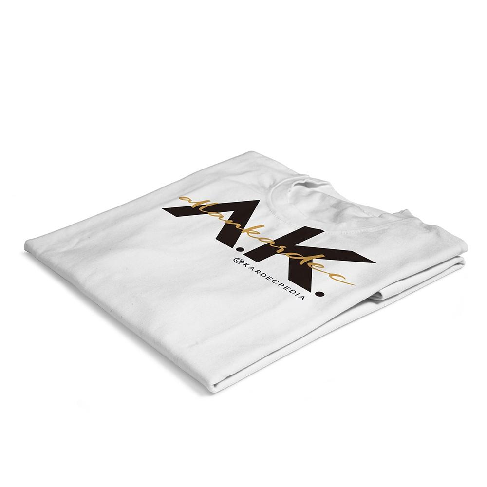 02-camiseta-nobilta-branca-detalhe